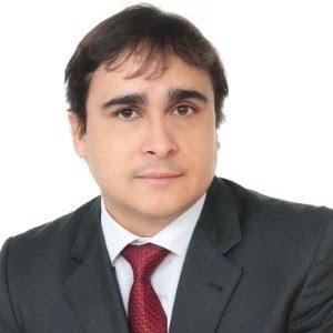 Foto do médico presidente do Instituto